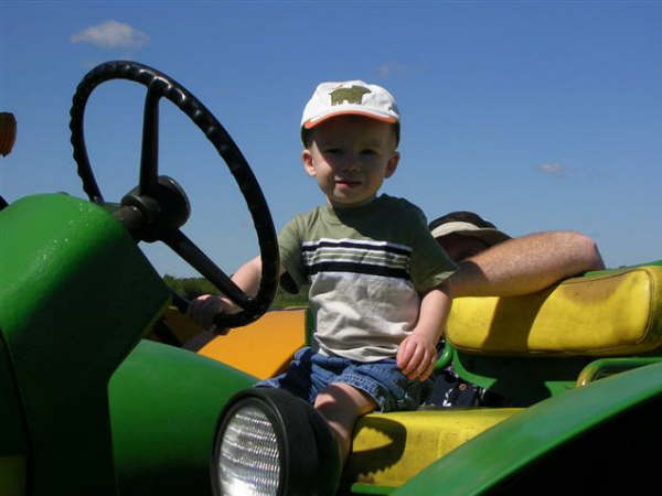 Orin om the John Deere A